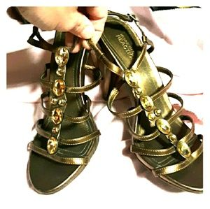 Kenneth Cole Reaction Bronze Heels Size 8